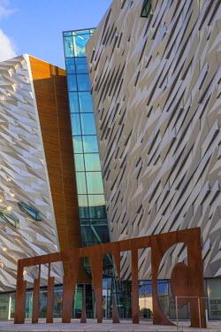 UK04065 United Kingdom, Northern Ireland, Belfast, View of the Titanic Belfast museum