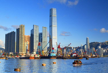 CH10593AW International Commerce Centre (ICC) and Yau Ma Tei Typhoon Shelter, West Kowloon, Hong Kong, China
