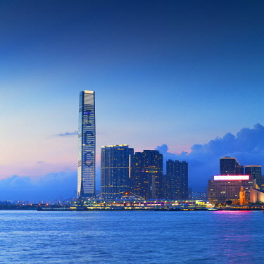CH10621AW International Commerce Centre (ICC) and West Kowloon skyline at dusk, Hong Kong, China