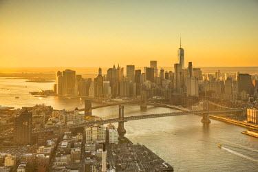 US60581 One World Trade Center, Manhattan and Brooklyn Bridges, Manhattan, New York City, New York, USA