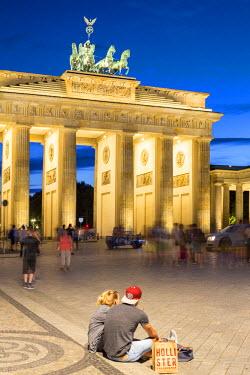 GER8789AW Germany, Deutschland. Berlin. Berlin Mitte. Brandenburg Gate, Brandenburger Tor