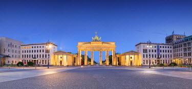 GER8792AW Germany, Deutschland. Berlin. Berlin Mitte. Brandenburg Gate, Brandenburger Tor