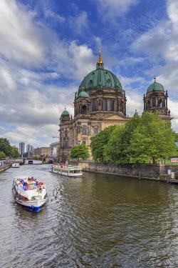 GER8818AW Germany, Deutschland. Berlin. Berlin Mitte. Berlin Cathedral, Berliner Dom.