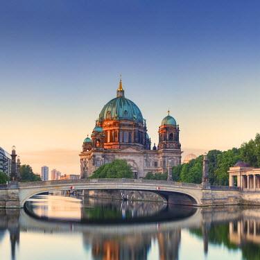 GER8824AW Germany, Deutschland. Berlin. Berlin Mitte. Berlin Cathedral, Berliner Dom.