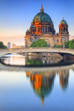 GER8825AW Germany, Deutschland. Berlin. Berlin Mitte. Berlin Cathedral, Berliner Dom.