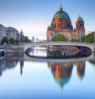 GER8826AW Germany, Deutschland. Berlin. Berlin Mitte. Berlin Cathedral, Berliner Dom.