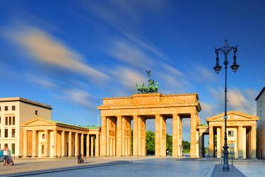 GER8832AW Germany, Deutschland. Berlin. Berlin Mitte. Brandenburg Gate, Brandenburger Tor