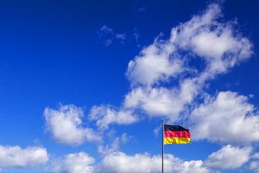 GER8833AW Germany, Deutschland. Berlin. Berlin Mitte. flag on Bundestag building.