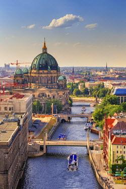 GER8879AW Germany, Deutschland. Berlin. Berlin Mitte. Berlin Cathedral, Berliner Dom.