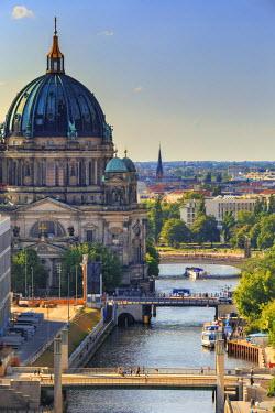 GER8882AW Germany, Deutschland. Berlin. Berlin Mitte. Berlin Cathedral, Berliner Dom.