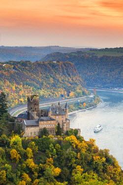 GER8957AW Burg Katz and romantic Rhine, Sankt Goarhausen, Rhineland-Palatinate, Germany