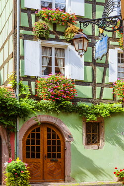 FRA8841AW Typical timber framed houses, Riquewihr, Alsace, France