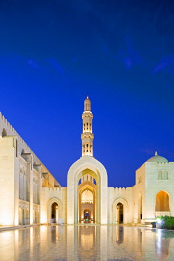 OMA2635AW Oman. Muscat Governorate, Muscat. The courtyard of Sultan Qaboos Mosque, a gift to the nation of Oman to mark the 30th year of the Sultan's reign. Completed in 2001, the mosque can hold up to 20,000 w...