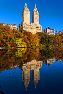 USA10553AW Fall foliage at Central Park with Upper West Side behind, Manhattan, New York, USA