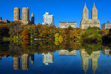 USA10555AW Fall foliage at Central Park with Upper West Side behind, Manhattan, New York, USA