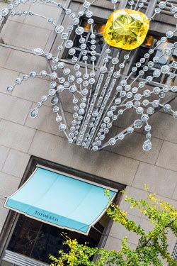 USA10595AW Tiffany and Co, jewelry store, Fifth Avenue, Manhattan, New York, USA