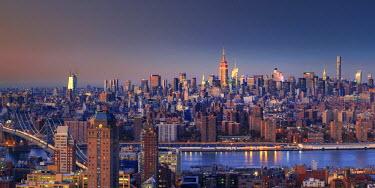 US60829 USA, New York City, Manhattan Skyline from Brooklyn