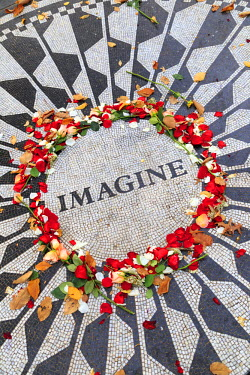 US60840 USA, New York City, Manhattan, Central Park, Strawberry Fields, Imagine Mosaic