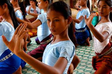 HMS0168097 Cambodia, Phnom Penh area, classical ballet, school of dance