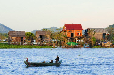 HMS0533676 Cambodia, Kompong Chhnang Province, scene of life on the Tonle Sap