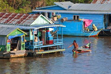 HMS0535818 Cambodia, Siem Reap Province, Tonle Sap Lake, Biosphere Reserve by UNESCO, Chong Khneas floating village, lake dwelling
