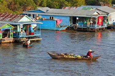 HMS0535824 Cambodia, Siem Reap Province, Tonle Sap Lake, Biosphere Reserve by UNESCO, Chong Khneas floating village, lake dwelling