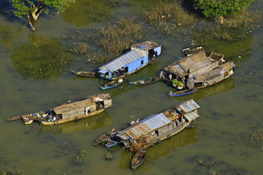 HMS0556812 Cambodia, Siem Reap Province, Siem Reap, Tonle Sap lake, listed Biosphere Reserve by UNESCO, Chong Khneas village
