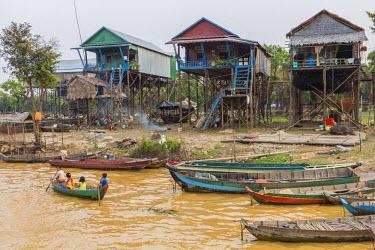HMS1917781 Cambodia, Siem Reap Province, floating village of Kompong Pluk on Lake Tonle Sap