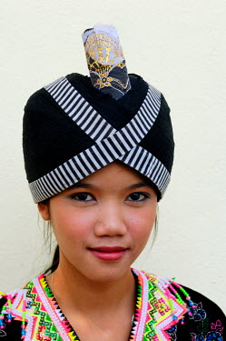 HMS0169841 Laos, Luang Prabang, Lao girl