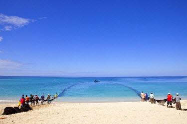 HMS0554272 Philippines, Luzon island, Ilocos Norte, around Laoag, Pagudpud, Saud beach, fishing net