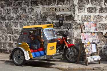 HMS0554421 Philippines, Luzon island, Manila, Intramuros historic district, a bicycle taxi