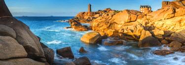 FR05591 Ploumanach Lighthouse, Cote de Granit Rose, Cotes d'Amor, Brittany, France
