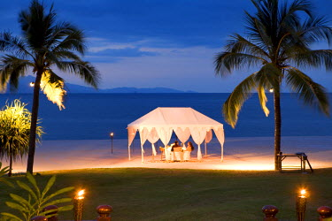 HMS0202025 Malaysia, Kedah state, Andaman Sea, Langkawi island, Four Seasons Resort, romantic dinner on Tanjung Rhu beach