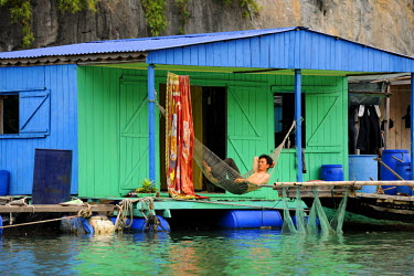 HMS0450378 Vietnam, Quang Ninh province, Halong Bay, listed as World Heritage by UNESCO, fishing floating village of Vong Vieng