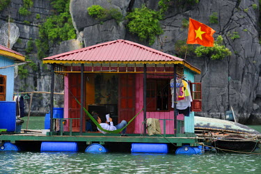 HMS0450380 Vietnam, Quang Ninh province, Halong Bay, listed as World Heritage by UNESCO, fishing floating village of Vong Vieng