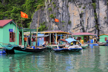 HMS0450386 Vietnam, Quang Ninh province, Halong Bay, listed as World Heritage by UNESCO, fishing floating village of Vong Vieng