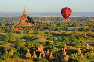 HMS2169185 Myanmar, Bagan, The archaeological site and Irrawaddy river from above (aerial view)