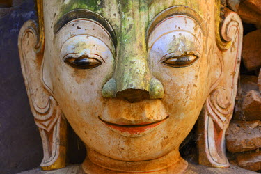 HMS2169201 Myanmar, Shan State, Inle Lake, Indein (Inthein) village, Ruined pagoda, Buddha
