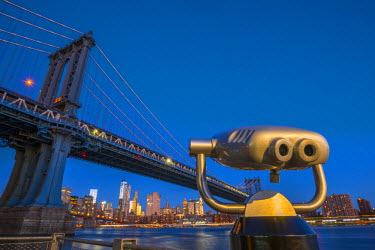 US61282 USA, New York, Brooklyn, Manhattan Bridge and Lower Manhattan Skyline