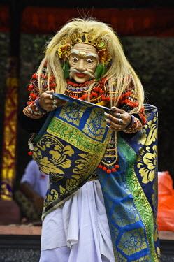 HMS0581435 Indonesia, Bali Island, Ubud village, Dalam Ubud temple, royal cremation of prince Cokorda Bagus Raka, Topeng show
