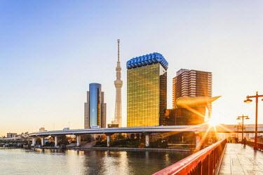 TPX52287 Japan, Honshu, Tokyo, Asakusa, Sumida River and Tokyo Sky Tree