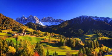 IT04427 Italy, Trentino Alto Adige, South Tyrol Region, Val di Funes and Santa Magdalena town with Puez Odle Dolomites Group (Puez Geisler) in the Background