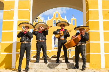 MEX1693AW Traditional Mariachi group at San Antonio de Padua monastery, Izamal, Yucatan, Mexico (MR)