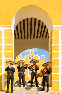 MEX1694AW Traditional Mariachi group at San Antonio de Padua monastery, Izamal, Yucatan, Mexico (MR)