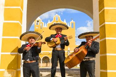 MEX1695AW Traditional Mariachi group at San Antonio de Padua monastery, Izamal, Yucatan, Mexico (MR)