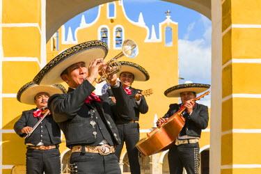 MEX1697AW Traditional Mariachi group at San Antonio de Padua monastery, Izamal, Yucatan, Mexico (MR)