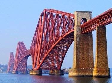 SCO33417AW UK, Scotland, Lothian, Edinburgh Area, Queensferry, View of the Forth Bridge.