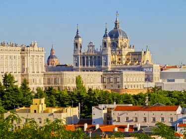 SPA6694AW Spain, Madrid, View of the Cathedral of Saint Mary the Royal of La Almudena and the Royal Palace of Madrid.