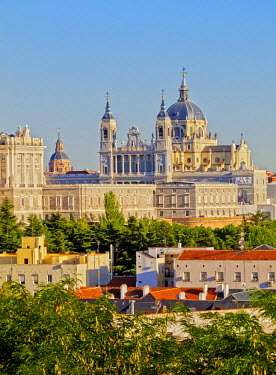 SPA6695AW Spain, Madrid, View of the Cathedral of Saint Mary the Royal of La Almudena and the Royal Palace of Madrid.
