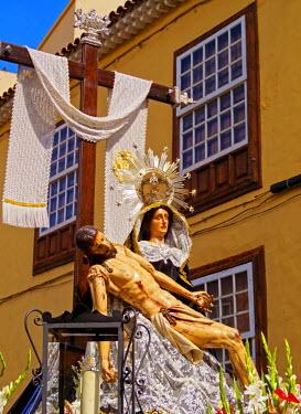 SPA6724AW Spain, Canary Islands, Tenerife, San Cristobal de la Laguna, Traditional Easter Holy Week Procession.